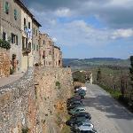 parking outside wall of Pienza