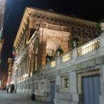 Palazzo Tursi di sera
