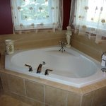 The bathroom in the English Manor suite