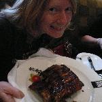 Katharina and the baby back ribs - YUM!