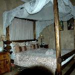 Family room for 4 with separate bunk bed room and en suite bath and shower