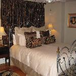 Beautiful bedroom (Craig Toms suite)
