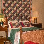 ROOM #1 - Queen Bed