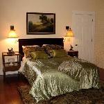 Room # 2 - Queen Bed