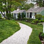 Down the crushed shell path to the cottages - very nice landscaping
