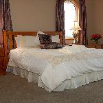 Richmond Suite King Size Bed