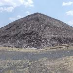 裏から見た太陽のピラミッド