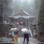 雨に濡れた光前寺