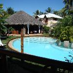 la piscine et l'unité bar/restaurant