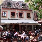 Photo de Gaststatte Nurnberger Bratwurst Glockl am Dom