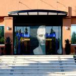 Entrée de l'Hôtel Arles Plaza