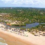 paisaje de la confluencia del rio y oceáno