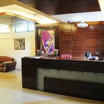 Photo de Hotel Neelkanth Crystal