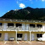 2 storey building