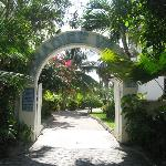 Entrance to Parasdise Villas from street