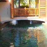 une piscine magique