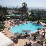 vue de la chambre sur la piscine