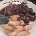 800g Porterhouse and Bone in Rib-Eye with sides of Truffle Chips, Spinach Cremed with Gruyere Ch