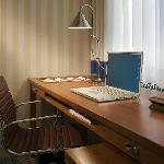 Sapcious, comfortable work space