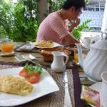 generous breakfast02