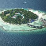 View of Ellaidhoo from the air taxi