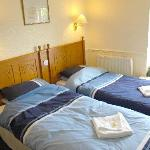 en-suite twin room TV and tea/coffee facilites,lovely views over open countryside