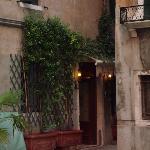 The entrance to Locanda Orseolo