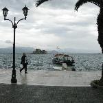 Hafenpromenade mit Festung Burdzi