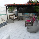 La terrazza dovenel tardo pomeriggio si fa l'aperitivo e nel dopo cena si chiacchiera sotto un c