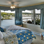 Harbor Escape -- Panoramic ocean views from all of room & from private deck!