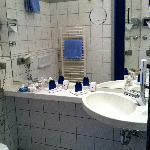 bathroom with toilet & shower