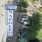 la calle del hotel