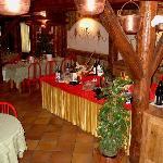 Tavolo buffet con prodotti Trentini
