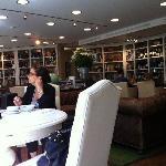 Sala de café da manhã e restaurante à noite