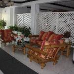 Timbamboo Foyer