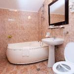 bathroom 4*