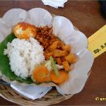 rice, spicy egg, fried tempe, spicy potato, capcay veggie