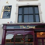 ‪The Snug Bar‬