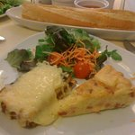 torte..baguette..marmellate...toast con formaggio fuso