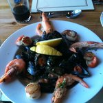 gorgeous dish of Scallops, mussels and crevettes!