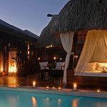 Emaho Sekawa - Villa Emaho pool and day bed