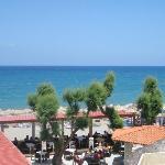 restaurangen och havet taget från balkongen