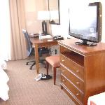 Room 432 Desk and TV