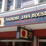 Photo de Nairobi Java House Downtown