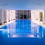 The hotel holds a wellness centre and an indoor and outdoor swimming pool