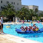 Kids club canoeing