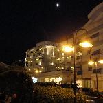 vista notturna albergo