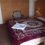 GreenLands Youth Hostel & International Tourist Home