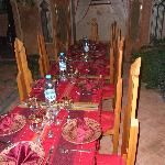 La table prête dans le patio