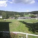 Reithalle und Ovalbahn vom Hotel aus gesehen
